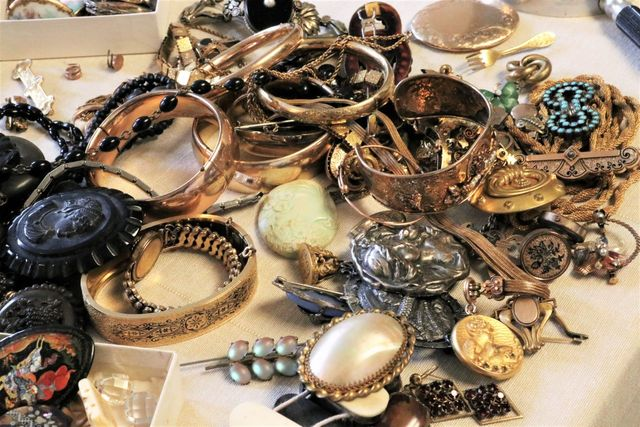 Local estate jewelery sale